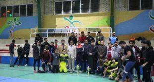 حفل ختام مباراة كرة القدم المقام برعاية ممثلية الدائرة الثقافية في جامعة آزاد اسلامي